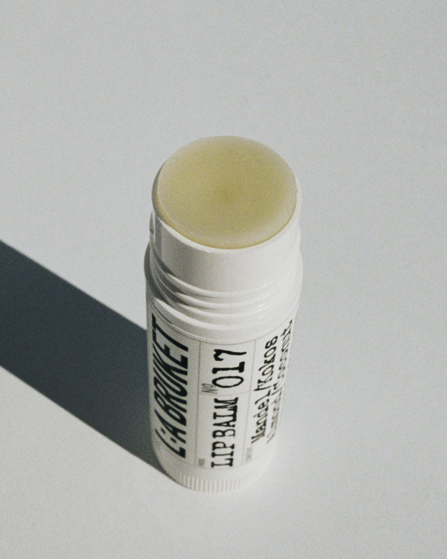 OhMart L:A Bruket 017 Lip Balm ( Almond / Coconut ) 2