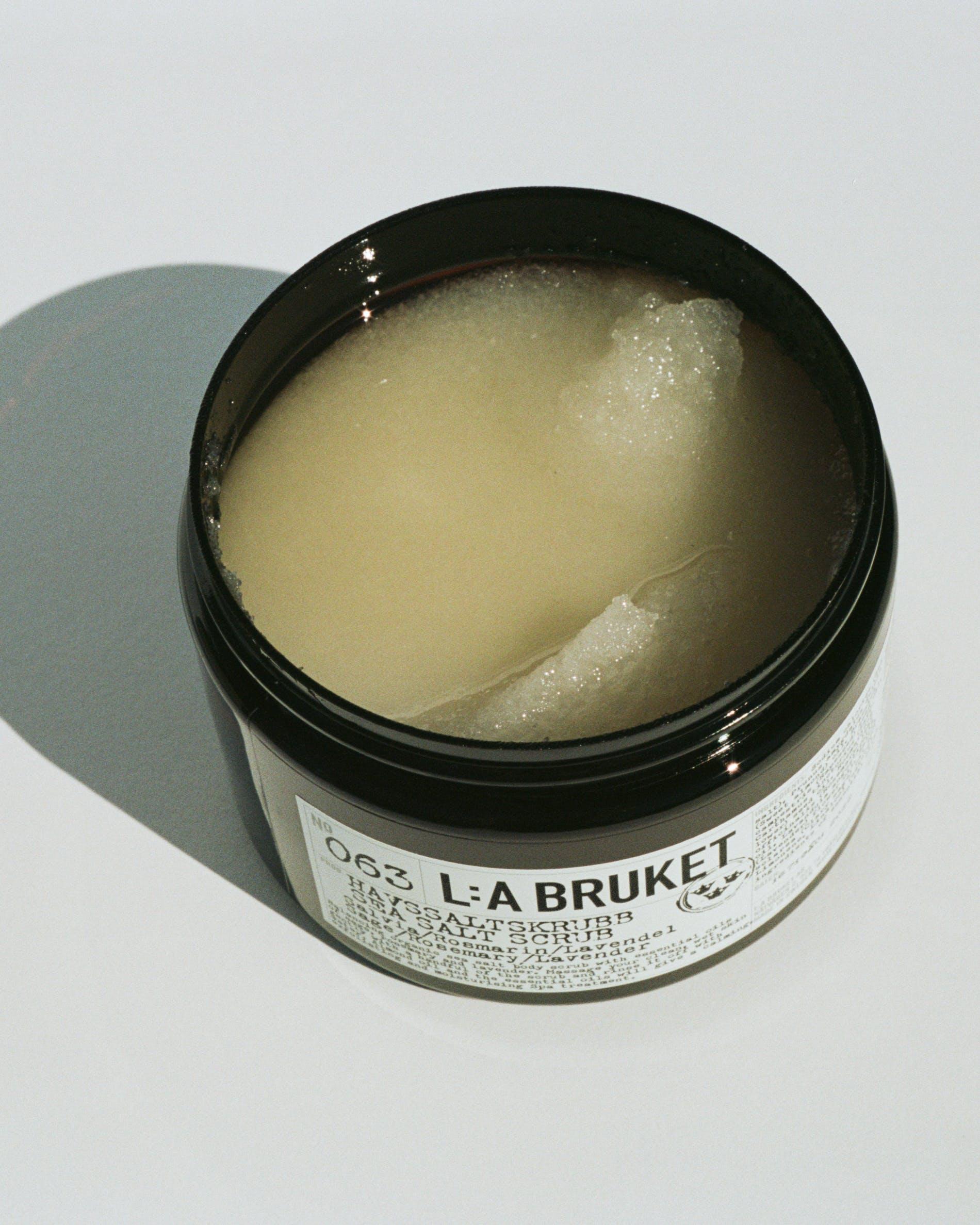 OhMart L:A Bruket 063 Sea Salt Scrub ( Sage/ Rosemary/ Lavender ) 2