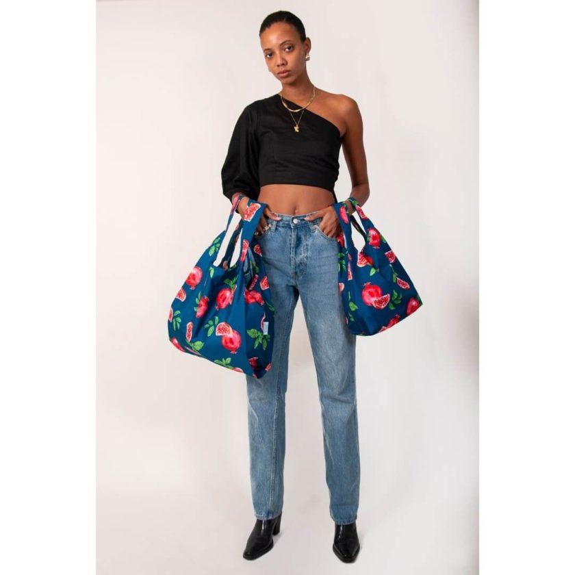 OhMart Kind Bag 100% recycled reusable bag (M) - Pomegranate 3
